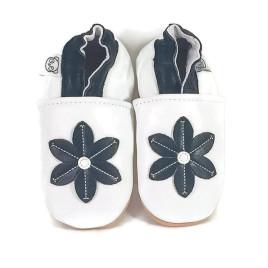 Valkoiset Kukkatossut